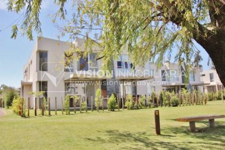 Fantástica Casa En Barrio Privado Greens Garden Houses, Arq. Carlos Ott.