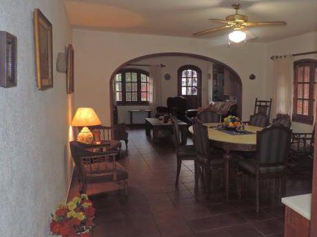 Venta De Excepcional Casa En Prado/atahualpa: 3 Dormitorios Y Escritorio