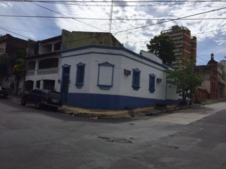 Esquina En El Centro De Asuncion!