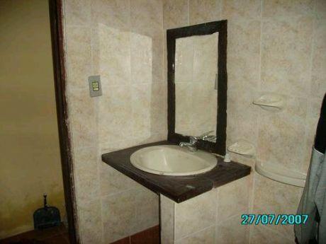 Apto 1 Dormitorios, Living, Ccomdor, Cocina, Baño Y Patio