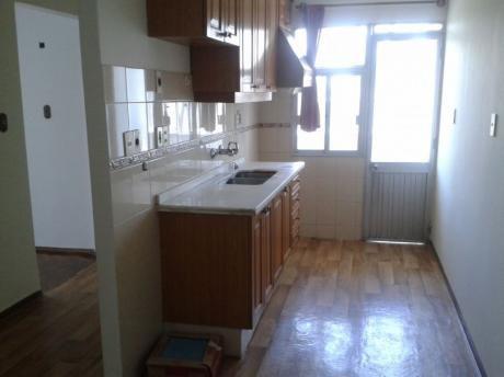 Apto 2 Dorm, 2 Baños, Cocina Con Office - Muy Bueno, 63m2