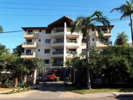 Alquilo Depto De 3 Dormitorios Con Cochera Edificio Con Piscina En Bo. Herrera.