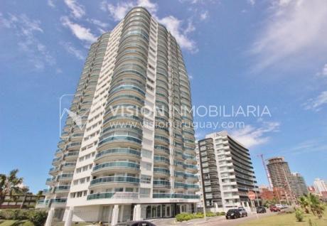 Apartamento De Lujo, Rebajado - Casino Tower, Piso 11 - Punta Del Este