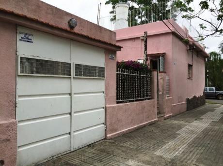 Venta Casa En Brazo Oriental 2 Dormitorios, Gge,patio