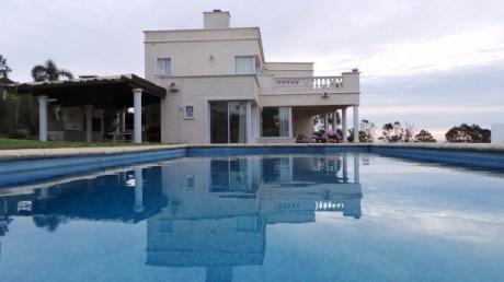 Importante Residencia De Estilo Colonial C/vista Al Mar / Punta Ballena