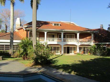 Alquilo Fabulosa Casa En Zona Mburuvicha Roga