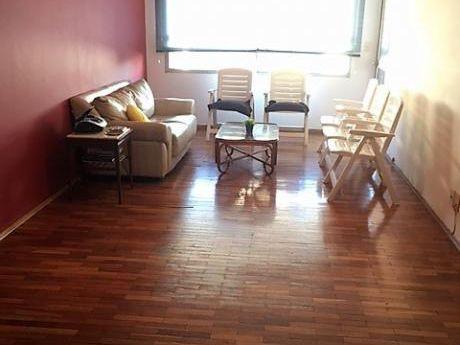 Excelente Apartamento, 21 De Setiembre A Pasos De Ellauri