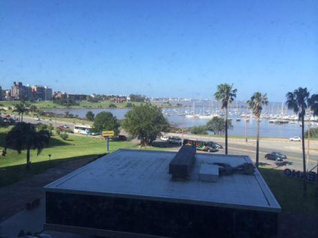 Dos Dormitorios Con La Mejor Vista Al Mar