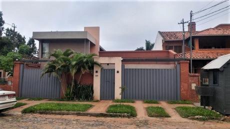 Vendo Hermosa Residencia Con Reforma Semi-nueva, En Mburukuja.