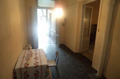 Casa 3 Dorm Con Muebles, Al Frente.alquiler: $18600 Venta:acepta Banco.