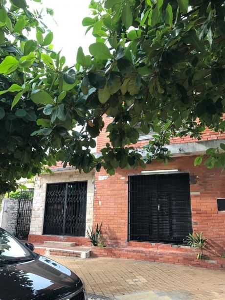 Vendo Casa A Refaccionar En Barrio San Vicente.