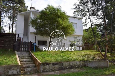 Casa En Piriápolis ( Ref 2080 )