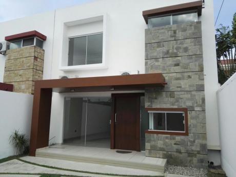 Casa En Venta Urb. Valle Azul 7mo Anillo Norte