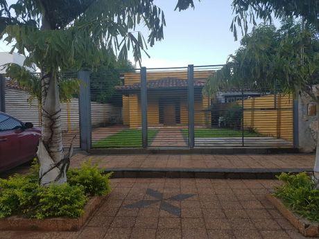 Vendo Hermosa Casa En El Centro De Ita