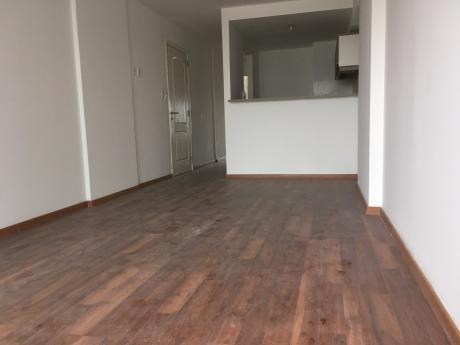 Alquiler Apto 1 Dormitorio Parque Batlle, Con Garage