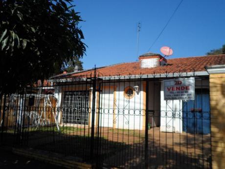 Vendemos Una Casa En Fdo. De La Mora, Zona Supermercado Real Fernando