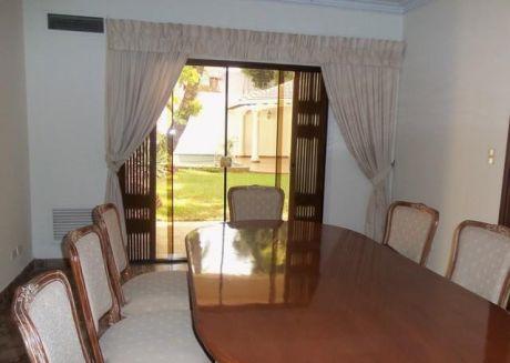 Z/bco.central/ Residencia/ C/escrit/piscina /4 Dor (2 En Suite).