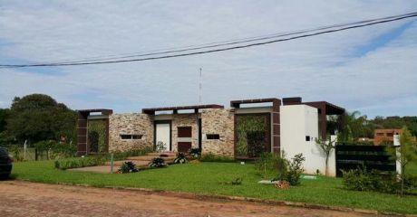 Espectacular Casa Minimalista A Estrenar En Barrio Cerrado!!