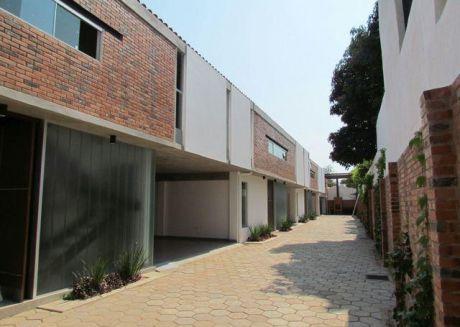 Duplex A Estrenar-villa Aurelia-barrio Cerrado-en Oferta
