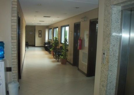 Villa Morra Alquilo Elegante Consultorio Medico