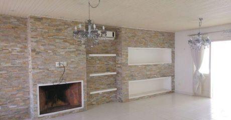 Alquilo Casa Re Modelada A Nueva De Dos Dorm En Suite Barrio Mcal. Estigarribia