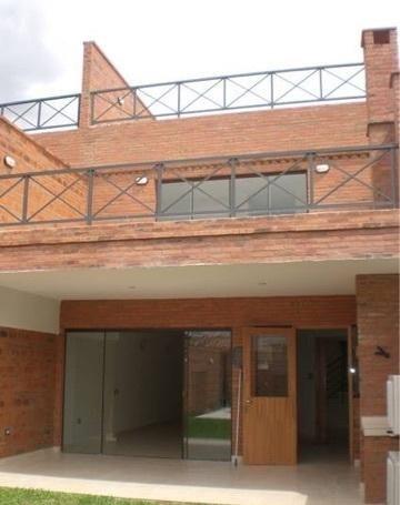 Alquilo Duplex En Barrio Manora $1.850