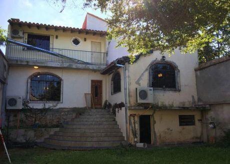 Casa Totalmente Refaccionada En Lambare Sobre Avenida Cerro Lambare