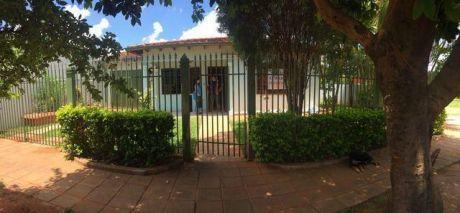 Alquilo Casa En Luque Laurelty A 3 Cuadras De La Ruta Luque- San Lorenzo