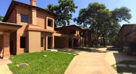 Servin Bienes Raíces Vende Hermosas Casas En Zona Pinedo!!