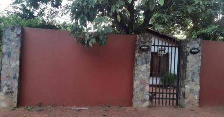 Vendo Casa En San Lorenzo - Barrio Santa Ana 320 Millones!!