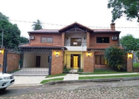 Vendo Espectacular Residencia En Los Laureles