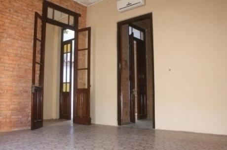 Casa Centrica Para Oficinas Dividido En 4 Ambientes