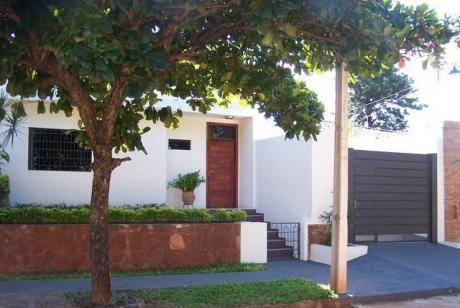 Lambare ( Hermosa Casa ,casi A Estrenar ) Gral Santos Y Pirizal