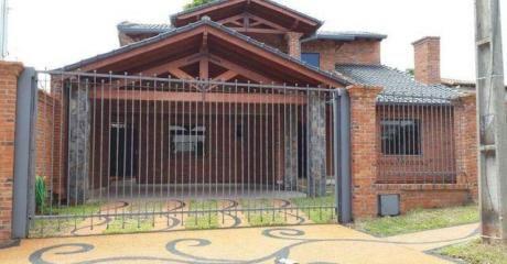 Vendo Casa Zona La Piedad, Amplio Patio. 3 Habitaciones En Suite