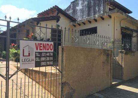 Vendo Casa Barrio Mburucuya. 12 X 40