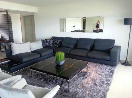 Apartamentos En Playa Mansa
