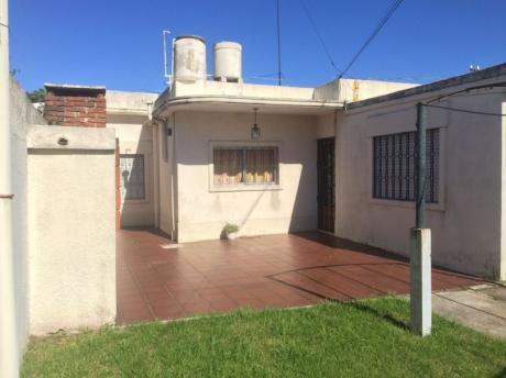 2 Casas En Gran Terreno Sobre Camino Carrasco