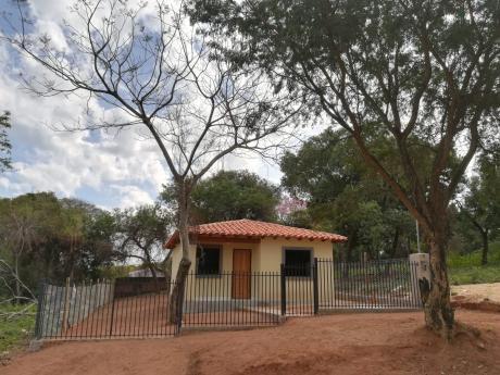 Vendo Casa A Estrenar Con Gran Patio En El Barrio La Merced (san Antonio-ñemby)