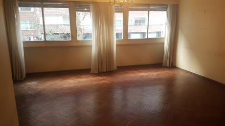 Apartamento 3 Dormitorios C/garage En Pocitos.