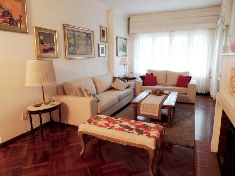 Venta - Casa - La Blanqueada - 5 Dormitorios - U73914 330.000