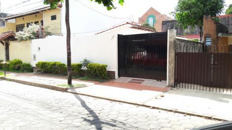 Equipetrol Vendo Casa Recien Remodelada 6 Dorm. 300 Mts2.