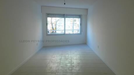 Apartamento 2 Dormitorios, Garaje Opcional, Patio. Aguada