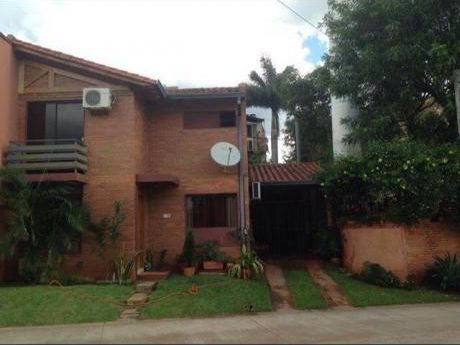 Casa En Hermoso Condominio Zona Mcal López Y Libertad