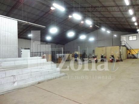 Amplias Oficinas Con Espectacular Galpon Cerrado En Plena Z/norte