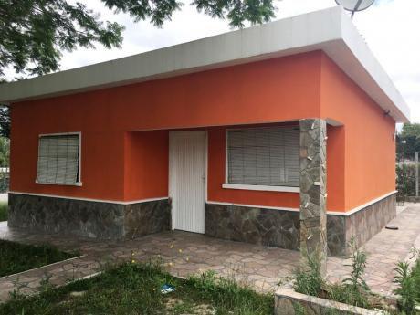 Preciosa Casa Reciclada A Nuevo!!