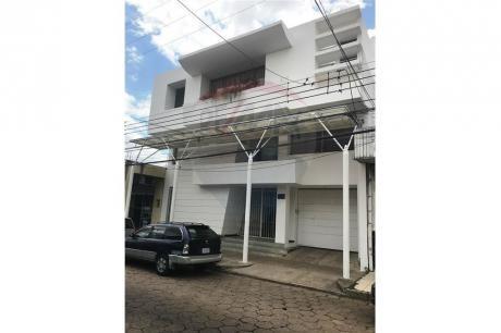 Edificio De Oficinas Calle ñuflo De Chavez
