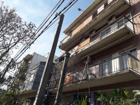 Apartamento  Malvín Dos Dormitorios Financiación Bancaria