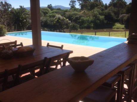 Casa Impecable 4 Dormitorios Con Piscina Y Gran Espacio Playa Verde