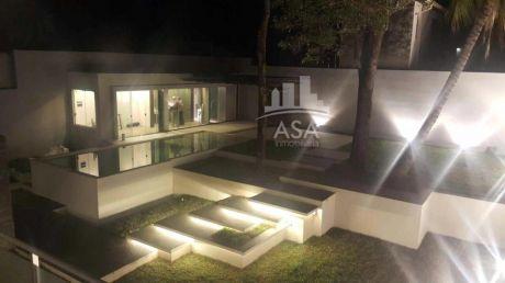 Hermosa Residencia Minimlista Con 4 Dormitorios En Suites