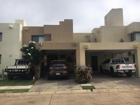 Casa En Venta En La Hacienda 3